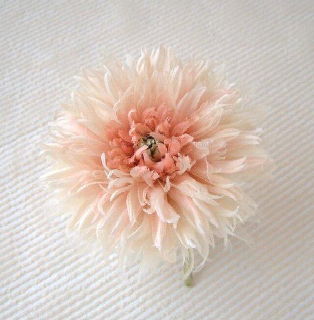サーモンピンクのダリア * 2種シルク製 * コサージュ 髪飾の画像1枚目