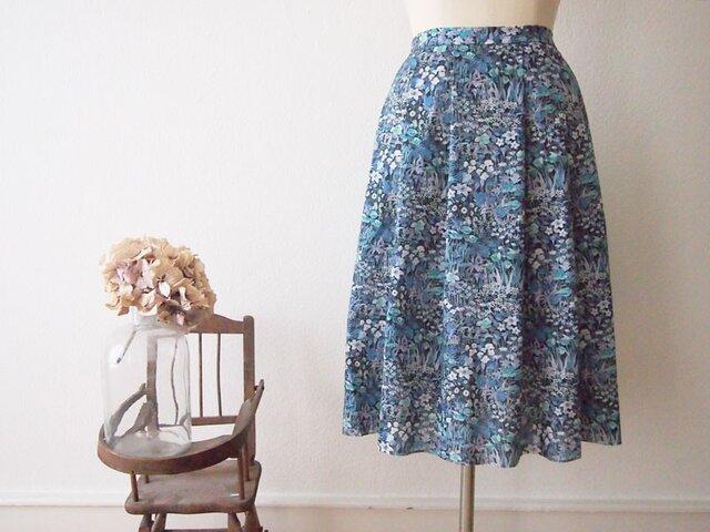 新作2018A/W Liberty : faria flowers small 大人タックスカートの画像1枚目
