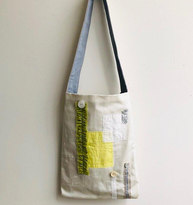 コラージュのバッグ(黄緑フリル)の画像1枚目
