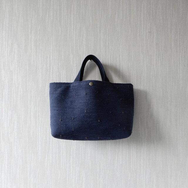 【受注制作】裂き織りのバッグ Mサイズ横長 紺の画像1枚目