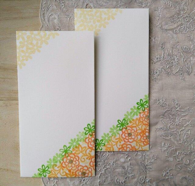消しゴム版画「のし袋(きくと小花(オレンジ)」の画像1枚目