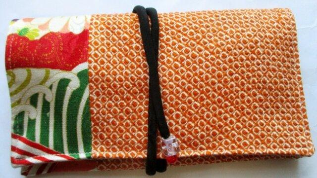 送料無料 絞りと花柄の着物で作った和風財布 3921の画像1枚目