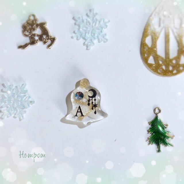 クリスマスベルのピンバッチ☆アリス ホムポムの画像1枚目