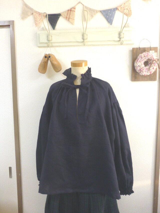 濃紺リネン100%生地 クラシカルフリル襟肩落ちプルオーバー MLの画像1枚目