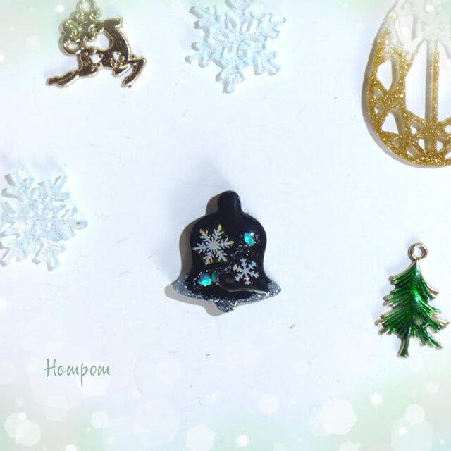 クリスマスベルのピンバッチ☆雪の結晶 ホムポムの画像1枚目