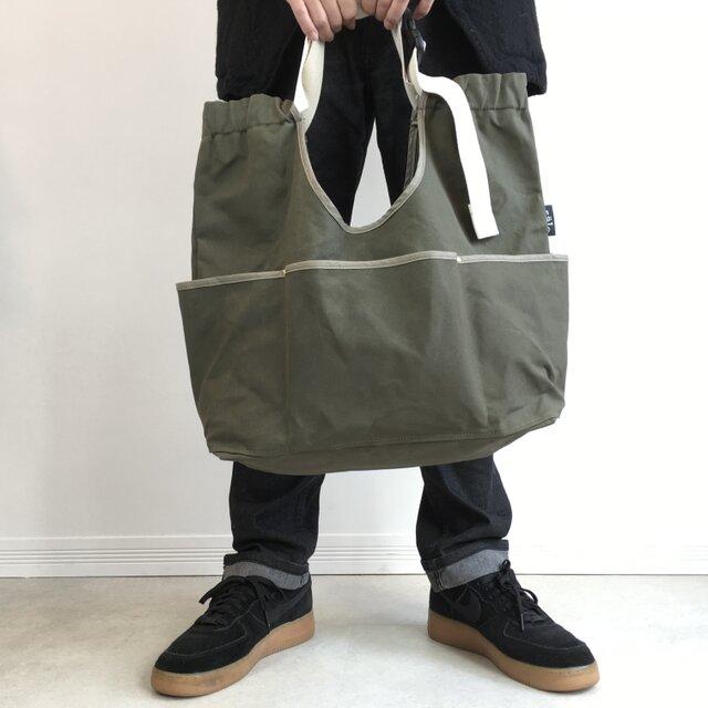 arch strap bag  dark khakiの画像1枚目