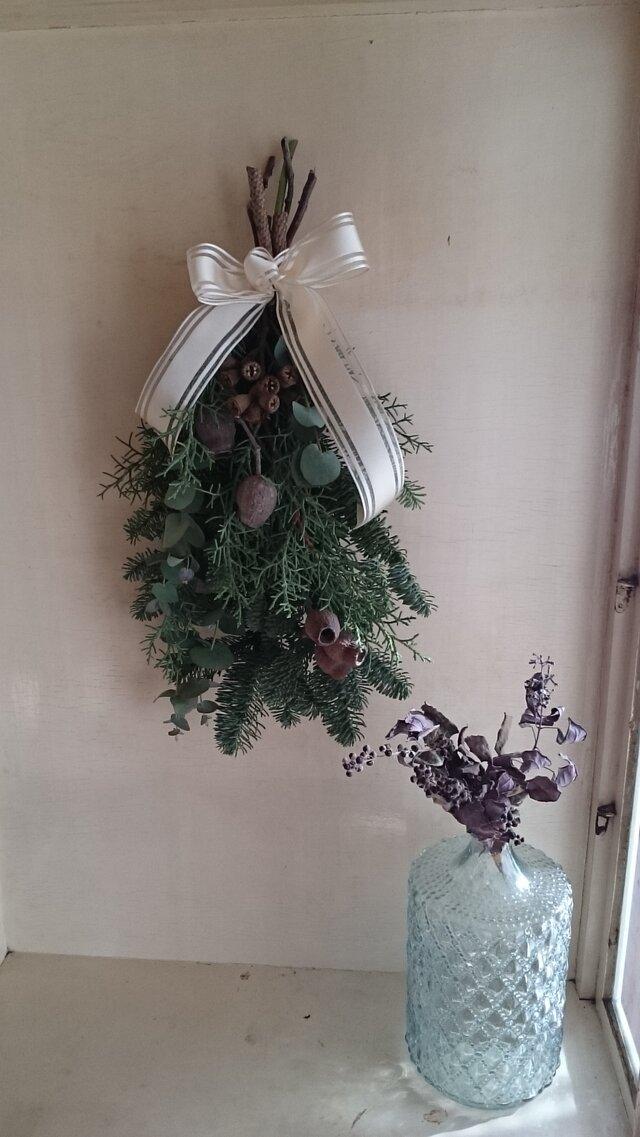 フレッシュグリーンのクリスマススワッグの画像1枚目