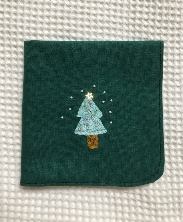 コットンの刺繍ハンカチ☆ホワイトクリスマスの画像1枚目