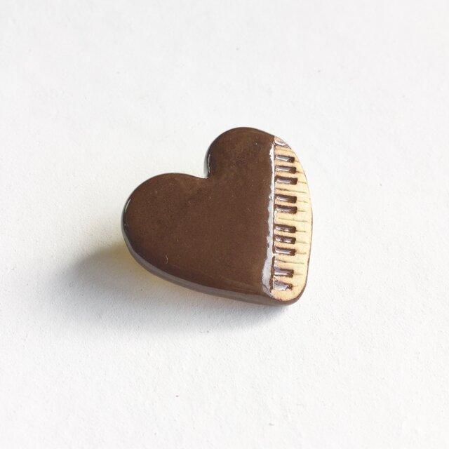陶ブローチ ハートなピアノの画像1枚目