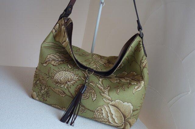 t様ご依頼品:ワンハンドルのくったりバッグ(輸入生地: ウェバリーグリーン)の画像1枚目