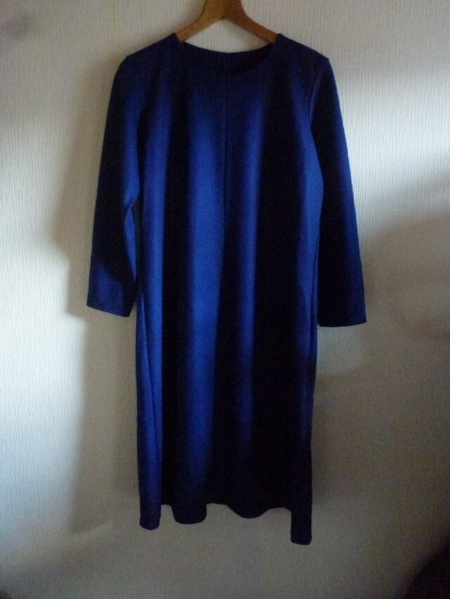 圧縮ウールこだわりシンプル切替ワンピース 青紺M~Lの画像1枚目