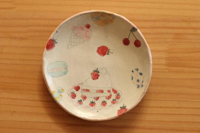 ※受注制作。粉引きスイーツたくさん柄のケーキ皿。の画像1枚目