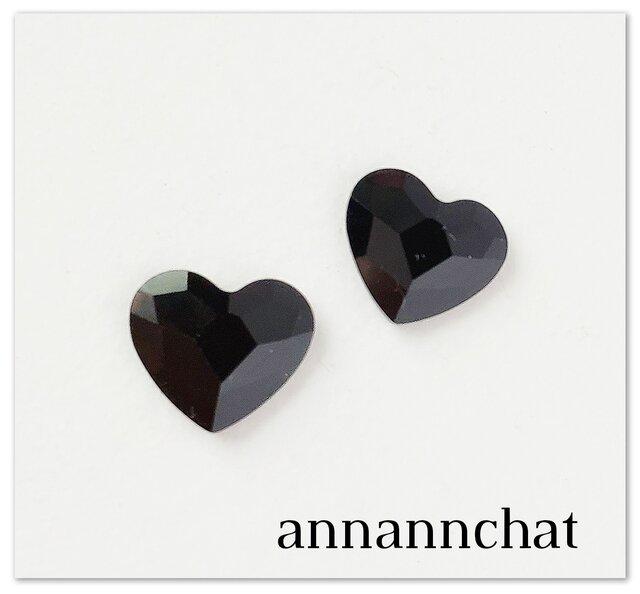 【スワロフスキー ハート (classy heart 黒 14mm)の ピアス】サージカル スティールポストの画像1枚目