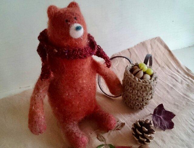 羊毛フェルトのクマさん〜冬支度〜の画像1枚目