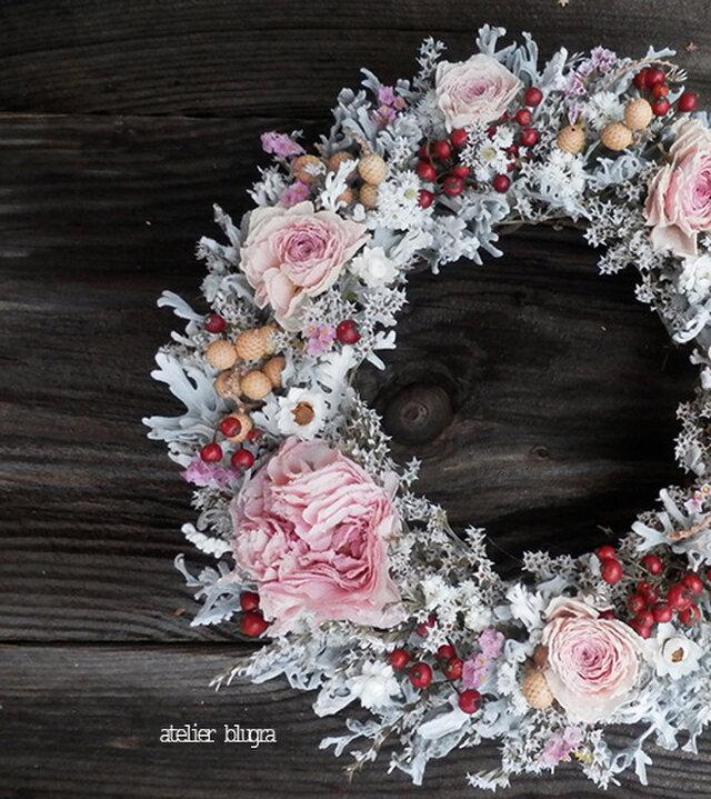 atelier blugra八ヶ岳〜ラナンキュラスとノイバラの実Wreathの画像1枚目