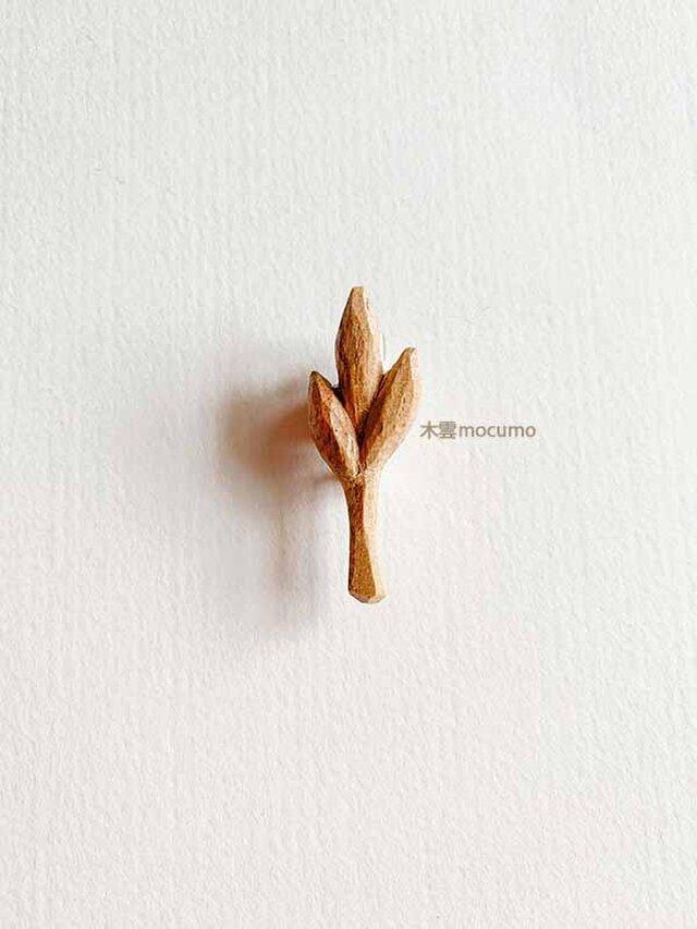 クスノキの 枝葉ブローチ の画像1枚目