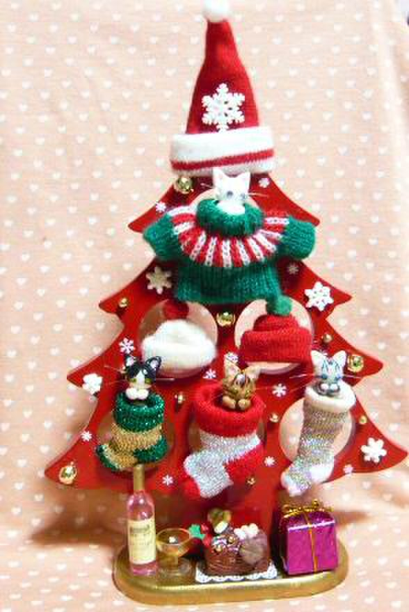 にゃんこのしっぽ〇可愛いニットのクリスマスツリー〇木製の画像1枚目