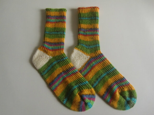 手編み靴下【Opal  夢のシンフォニー 9617】の画像1枚目