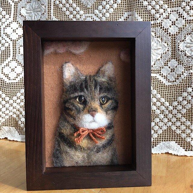 羊毛フェルト 猫のレリーフの画像1枚目