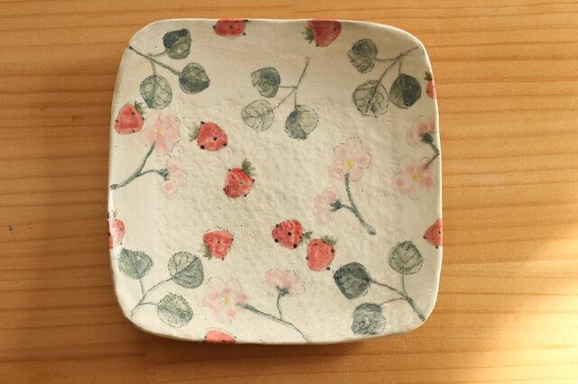 粉引きイチゴとイチゴのお花のトースト皿の画像1枚目