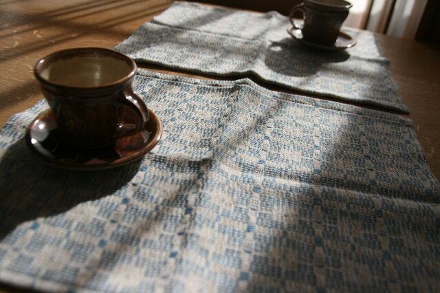 北欧手織りのランチョンマット(水色)の画像1枚目