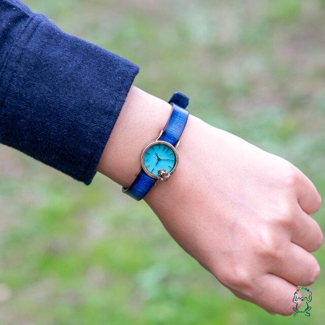 【ゆえあ様専用ページ】池をのぞく腕時計渋青緑Sの画像1枚目