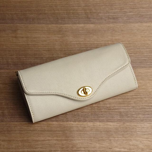 【送無】一点物!革の長財布 ---ひねり金具がかわいい人気の形 [アイボリー色]の画像1枚目