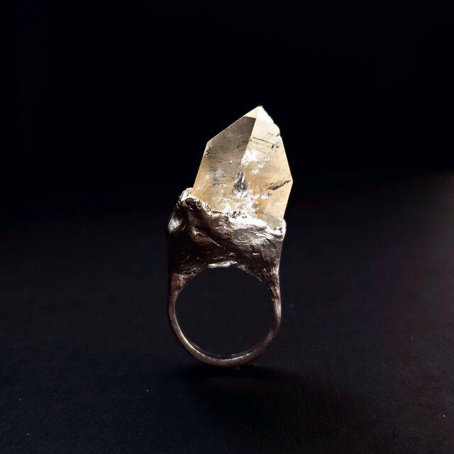 Big Crystal Unique Statement ringの画像1枚目