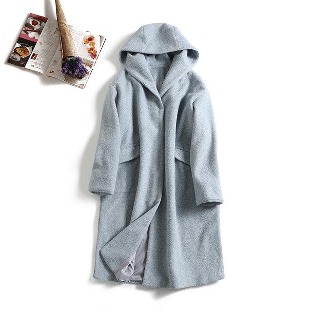 軽くて暖かいウールコート フードデザインロングコート 水色の画像1枚目