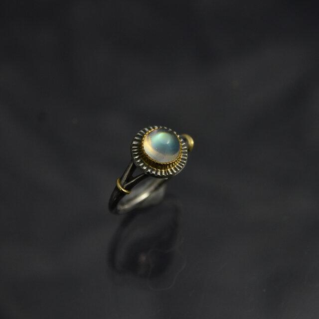 レインボー・ムーンストーン(ラブラドライト)の指環 ・ラウンドカボッション 1.84ctの画像1枚目