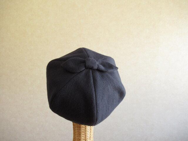 てっぺんにリボンのベレー帽 ネイビー (1点もの)の画像1枚目