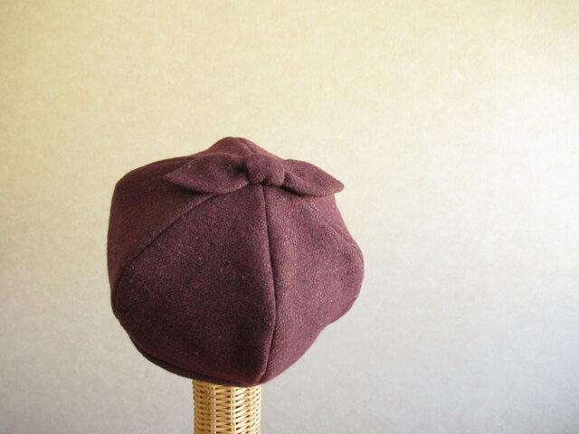 てっぺんにリボンのベレー帽 グレープのニットの画像1枚目