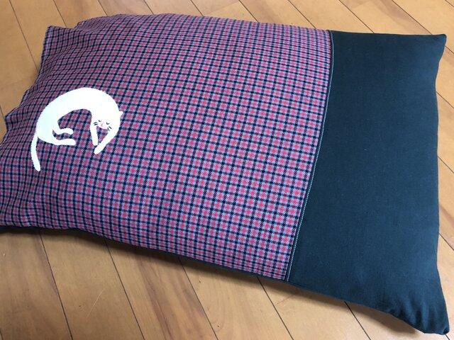 【受注製作】コットンの枕カバー☆居眠りするネコの画像1枚目