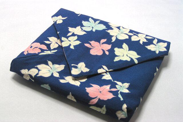 「m様 専用でございます」 正絹 数寄屋袋 古帛紗を折らずに入れたくて作りましたの画像1枚目