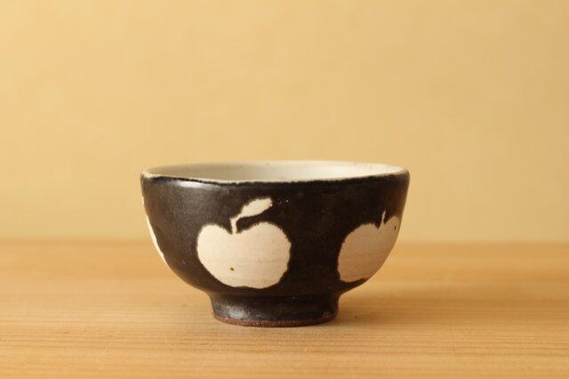 ※C様専用画面。黒りんご柄のお茶碗。の画像1枚目