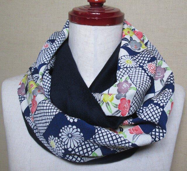 着物リメイク 上質なカシミヤ100%×縮緬型染めから作った素敵なスヌードの画像1枚目