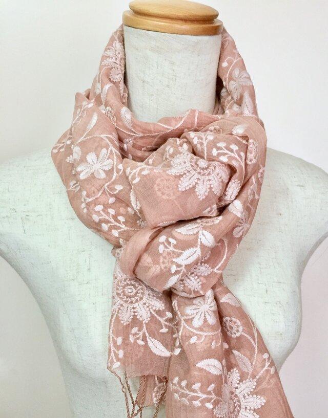 総刺繍ひば染め絹/綿 フラワーストール(サーモンピンク)の画像1枚目