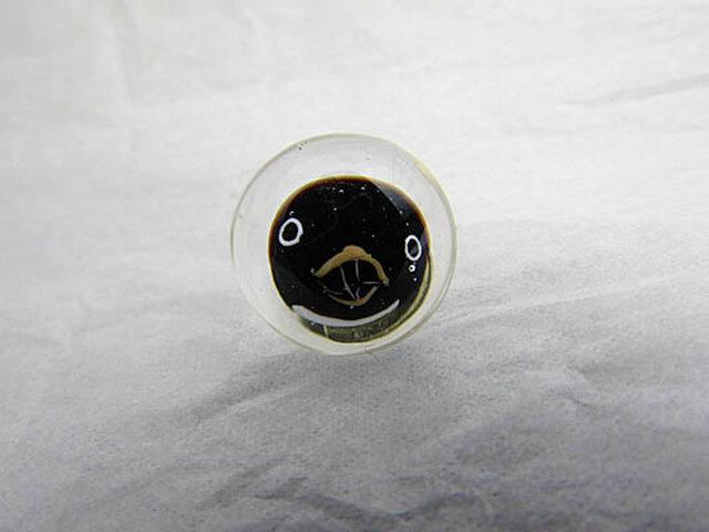 アデリーペンギンのピンブローチの画像1枚目