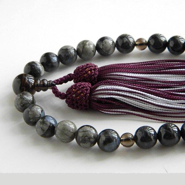 グレー翡翠とケセラストーンの念珠の画像1枚目