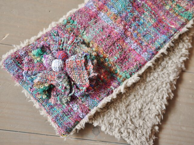 手織り コサージュ付ファーストールの画像1枚目