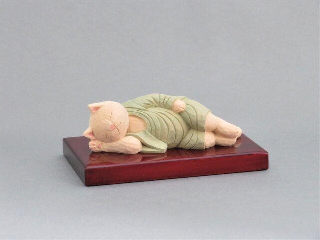 木彫り 袈裟を着た涅槃猫 猫仏1901の画像1枚目