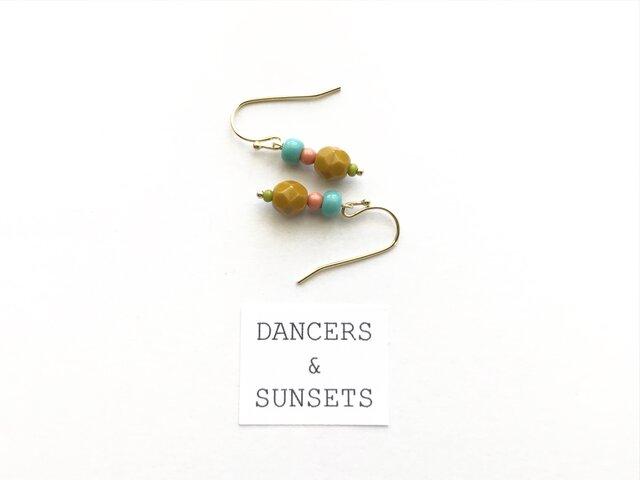 ヴィンテージテイスト ピアス〈Tiny Dancers:PICNIC〉の画像1枚目