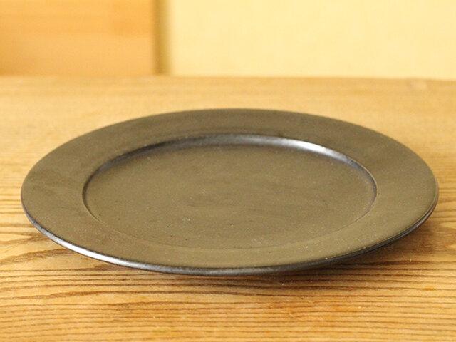 黒マット リム皿 / 7寸の画像1枚目