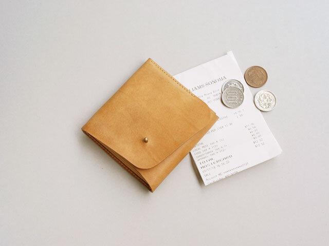 スクエア財布 BEIGE (牛革カーフ)の画像1枚目