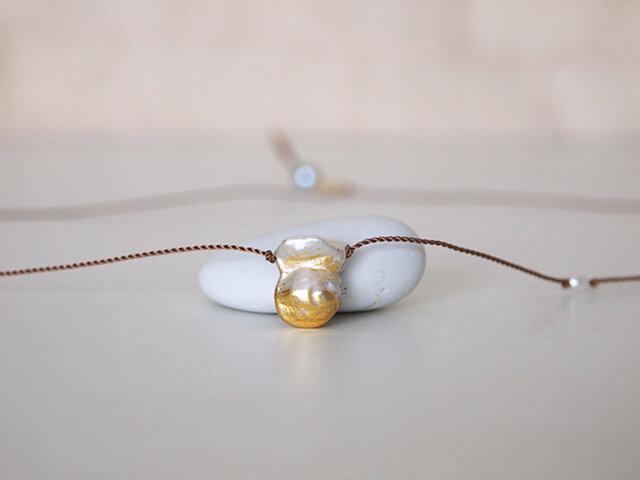 金箔とダブルパールのシルクネックレスの画像1枚目