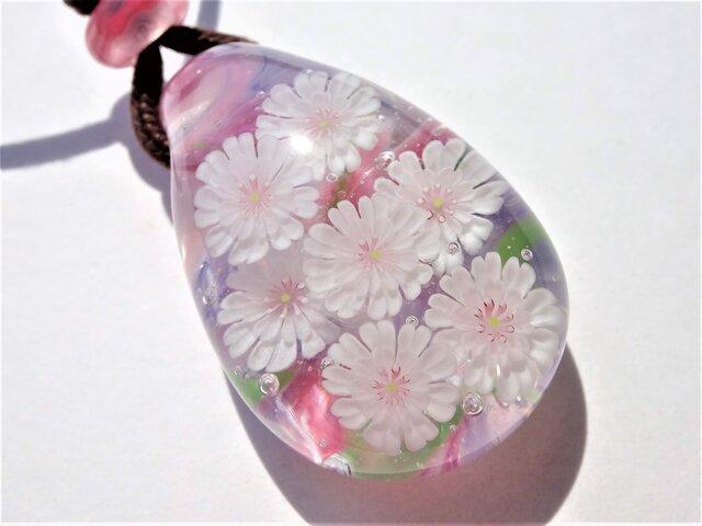 《子福桜》 ペンダント ガラス とんぼ玉 コブクザクラ  桜の画像1枚目