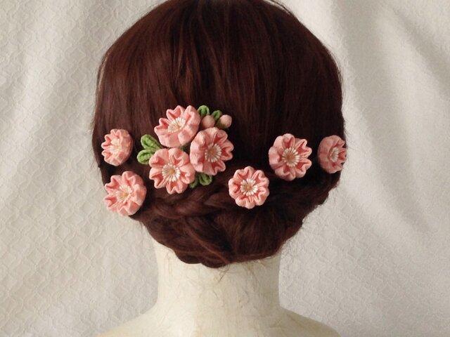 〈つまみ細工〉桜のUピン付き桜のコーム(小・サーモンピンク)の画像1枚目