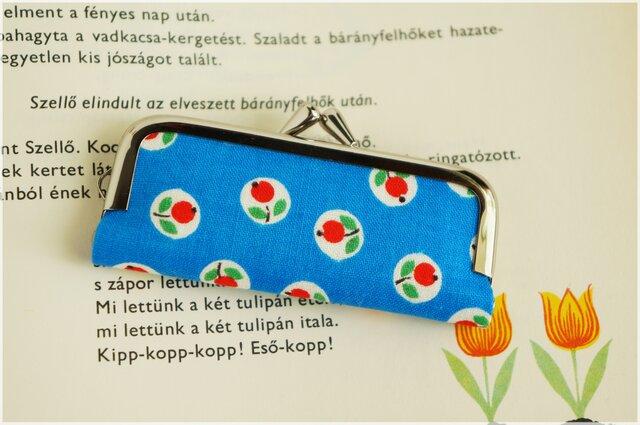 ■ブルーのがま口印鑑ケース / 赤い丸い花■の画像1枚目