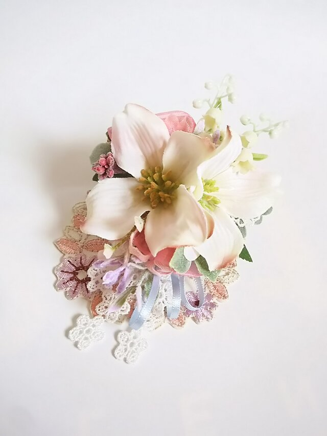 **irodoru**花水木の美しさ**可憐で美しい花水木の花飾り。。**の画像1枚目