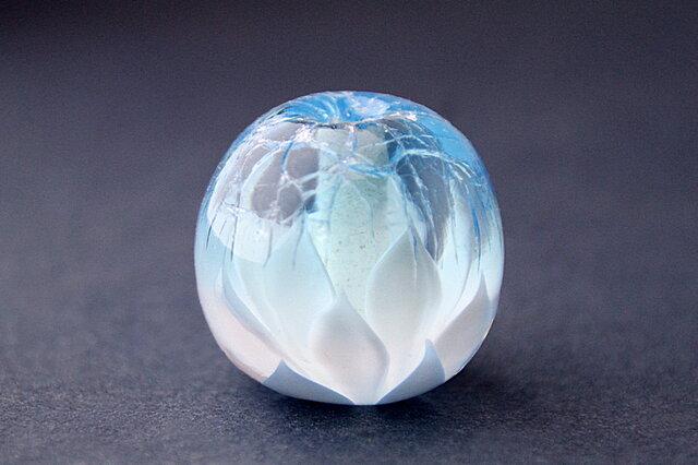 氷の下で春を待つ花 -薄氷-の画像1枚目